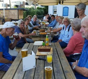 drinks-and-cakes-at-the-salthouse-after-work