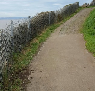 Wain's Hill path looking north